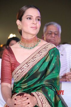 Won& compromise on my opportunities: Kangana - Social News XYZ Dress Indian Style, Indian Dresses, Indian Outfits, Bollywood Outfits, Bollywood Fashion, Indian Attire, Indian Ethnic Wear, Blouse Patterns, Saree Blouse Designs