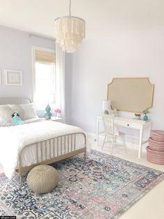 Gold Bed, Room Design, Bedroom Makeover, Bedroom Design, Luxurious Bedrooms, Girl Room, Minimalist Bedroom, Small Bedroom, White Bedding