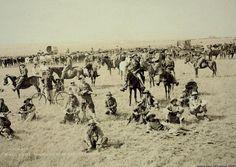 A Boer convoy with black attendants (agterryers) 12304355_10153078580451601_2225522981383085663_o.jpg 1042×741 pixels