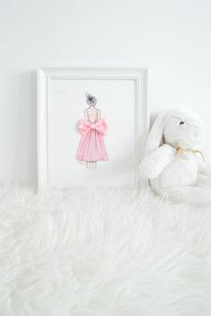 Handmade custom designed nursery artwork by Shenasi Concept. #bow #nursery #polkadots
