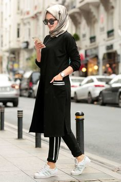 Neva Style – Black Hijab Suit The clothing culture is quite old. Muslim Fashion, Modest Fashion, Hijab Fashion, Fashion Outfits, Fashion Beauty, Hijab Dress, Hijab Outfit, Womens Fashion Online, Latest Fashion For Women