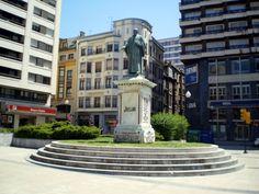 Estatua de Jovellanos (Plaza del 6 de agosto) - Gijón (Spain)