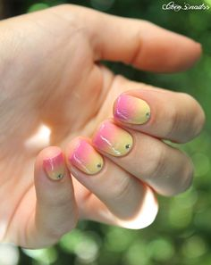 pink and yellow gradient nails #cocosnailss #nailart