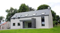 Modern farmhouse in Glenfarne, Co. Leitrim, designed by McCabe Architects Bungalow House Design, Cottage Design, Facade House, House Roof, House Designs Ireland, Rural House, Farm House, Dormer House, Farmhouse Architecture