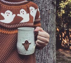 Samhain, Mugs Sharpie, Favorite Holiday, Holiday Fun, Fall Halloween, Happy Halloween, Halloween Clothes, Halloween Costumes, Mug Design