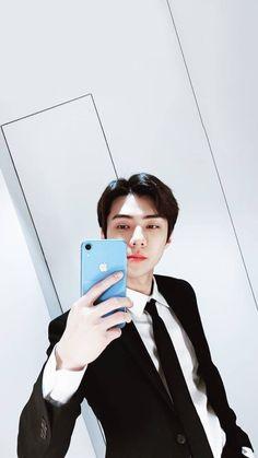 Mirror selfie oh sehun Baekhyun, Hunhan, Park Chanyeol, Sehun Cute, Exo Album, Exo Official, Exo Lockscreen, Exo Korean, Kpop