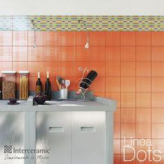 Mantén a la mano tus ingredientes a la hora de cocinar en recipientes de vidrio, lucirá ordenada y dará un toque único a tu cocina.