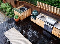 Set your sights on these gorgeous outdoor kitchens, and get inspired to design something similar for your own backyard.