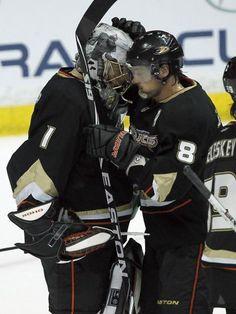 Jonas Hiller, Anaheim Ducks Ducks Hockey, Ice Hockey, Sports Trophies, Hockey Rules, Tony Romo, Anaheim Ducks, American Sports, National Hockey League, Stanley Cup