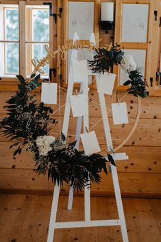Boho winter wedding - find your seat Foto: Wedding Planner: Planer, Wedding Planner, Finding Yourself, Table Decorations, Inspiration, Winter, Weddings, Home Decor, Red Accents