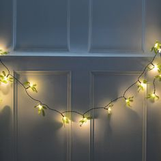 Nur ein bisschen etwas zu sagen, vielen Dank für Ihre Bestellung 15 % off an der Kasse... unsere Leckerbissen! Die heutige Abreise Code: THANKYOU15... Wenn Sie £20 oder mehr verbringen.  Nie zu früh um eine Urlaub bestellen!  Hübsche Stoff Blätter mit dem kleinen weißen Lampe Beere erstellen diese ungewöhnliche Lichterkette String Girlande batteriebetrieben für die einfache Anzeige.  Hübsche Stoff Blätter mit eine kleine weiße LED-Lampe erstellen diese festliche drei Fuß-Girlande. Sie sehen…