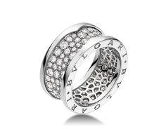 18 kt white gold ring with pav diamonds bulgari
