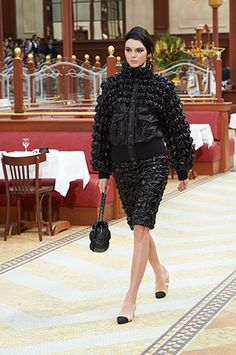 LOOKS OF THE FALL-WINTER 2015/16 READY-TO-WEAR SHOW – Chanel News - Fashion news and behind the scene features