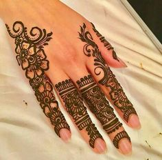 Explore the list of best and trending mehndi designs for every occasion. Latest mehndi designs for your wedding or any other events Henna Hand Designs, Eid Mehndi Designs, Mehndi Designs Finger, Mehndi Designs For Beginners, Mehndi Designs For Fingers, Latest Mehndi Designs, Simple Mehndi Designs, Henna Tattoo Designs, Mehndi Fingers