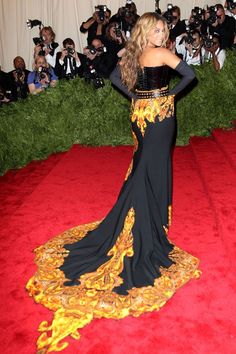 Beyoncé's was followed by a train of flames courtesy of her dramatic Givenchy Couture by Riccardo Tisci gown.