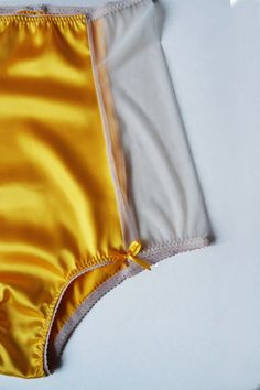 Be brigth this Valentine! Choose yellow! Pinup stile high-waisted knickers in satin and mesh - elegant lines, beautiful style, cheerful little bows and