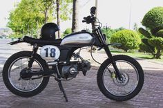 Vintage Bikes, Vintage Motorcycles, Cars And Motorcycles, Honda S90, Honda Scrambler, Honda Bikes, 50cc, Mini Bike, Classic Bikes