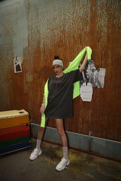 #crazygirls #fashion #woman_tee Crazy Girls, Street Look, Socks, Woman, Photos, Dresses, Fashion, Vestidos, Moda