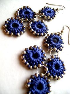 Would love to see a necklace playing on these ideas - crochet and metal beads