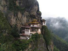Taktshang Monastery http://xaharts.org/dinju/monastery.html