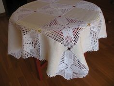 Beautiful linen tablecloth from a combination of fabrics and openwork crochet / 1783336_94832460_004 (700x525, 152Kb)