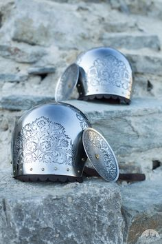 """Medieval Stainless Pauldrons """"Knight of Fortune"""""""