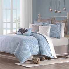 Best Modern Blue Bedroom for Your Home - bedroom design inspiration - bedroom design styles - bedroom furniture ideas - A modern style for your bedroom can be just attained with vibrant blue wallpaper in an abstract style and formed bedlinen. Ocean Bedding, Tropical Bedding, Blue Comforter, Coastal Bedding, Coastal Bedrooms, Comforter Sets, Luxury Bedding, Nautical Bedding, Seaside Bedroom