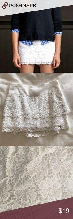 ♡ Bettys' white lace skirt ♡ ♡ floral lace detail ♡ scalloped hem ♡ size S  Happy poshing! Hollister Skirts Mini