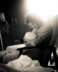 """Ben Bruce and newborn son Fynn """"Welcome to the world my son. I have so much to show you. I'm so in love with you Fynn ❤️"""""""