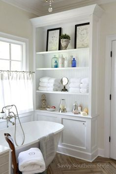 What's New In Fixer Upper Farmhouse Home Decor Volume 33 - The Cottage Market - It's that time of the week my friends when we check out What's New in Fixer Upper Farmhouse Hom - Farmhouse Interior, Country Farmhouse Decor, French Country Decorating, Farmhouse Blogs, Farmhouse Style, Country Style Homes, French Country Style, Southern Style, Bad Inspiration
