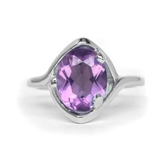 GORGEOUS 10x8mm Natural Purple Amethyst Ring in 925 Silver #Thaigemstore #SolitairewithAccents