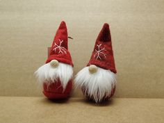 Tomtar Gnomes love the wooden bead for a nose