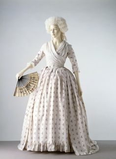 Gown and Petticoat    1785    The Victoria & Albert Museum
