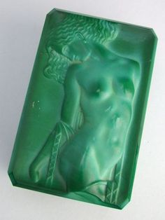 Major wow  'Odalisque' by Schlevoght Czech malachite glass box with a nude lady to the lid. An original early 1930's piece (not a reproduction) that still bearing the original old remnants of the Schlevoght 'Czech' sticker to the base. Made by Henry Schlevoght, designed by Michael Powolny and part of the Ingrid line. It measures 5.5 inches by 3.5 and 2.5 inches high
