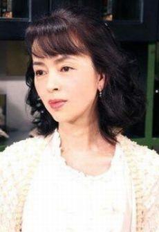 ファッションモデルの岡田奈々さん