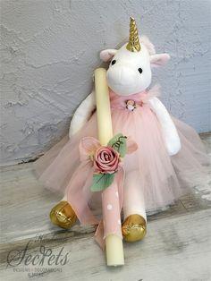 Λαμπάδα πασχαλινή για κορίτσια με μονόκερο κούκλα, annassecret, Χειροποιητες μπομπονιερες γαμου, Χειροποιητες μπομπονιερες βαπτισης Easter Ideas, Event Planning, Favors, Flower Girl Dresses, Crafting, Candles, Christmas Ornaments, Holiday Decor, Wedding