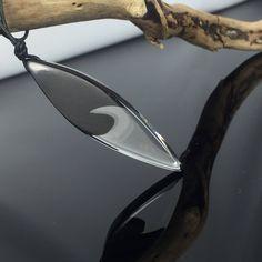Ein persönlicher Favorit aus meinem Etsy-Shop https://www.etsy.com/de/listing/525490490/wood-resin-necklacestilvolle-harz-holz