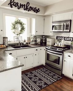 What do think this Beautiful picture ❤️Tell me in just 5 words 😍If you could rate pics from this for your own house, Rate ❤️ TAG a… Modern Farmhouse Kitchens, Farmhouse Kitchen Decor, Home Decor Kitchen, Home Kitchens, Kitchen Ideas, Kitchen Decorations, White Farmhouse, Farmhouse Ideas, Farmhouse Style