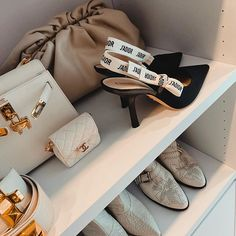 Cute Shoes, Me Too Shoes, Handbag Accessories, Fashion Accessories, Heeled Boots, Shoe Boots, Luxury Fashion, Womens Fashion, Classy Fashion