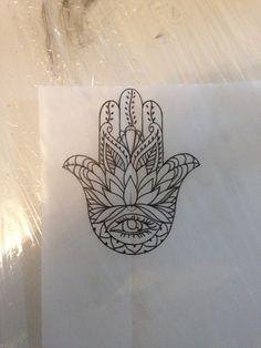 Resultado de imagen de tatuagem flores e mao de fatima