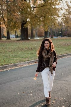 I wore this over-sized velvet sweater and paired it with my most used high-waited white jeans. This sweater is so warm and soft, I must have worn it a dozen Velvet Sweater, Fashion Photo, Ugg Boots, Must Haves, White Jeans, Uggs, Personal Style, Pairs, Lifestyle