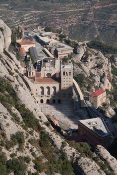 Vista del Monestir de baixada a Sant Joan #montserrat