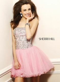 @Sherri Hill 1492 Innocent appearance in this cocktail #dress!!! #IPAProm #homecoming #formal