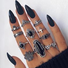 Fleepmart Fashion cross Leaf Stone Midi Ring Sets New 2019 Vintage Crystal Opal Knuckle Rings for Women Anillos Mujer Jewellery Bohemian Rings, Bohemian Jewelry, Boho Jewellery, Ethnic Jewelry, Indian Jewelry, Ongles Bling Bling, Black Acrylic Nails, Black Stiletto Nails, Black Pointed Nails