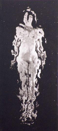 vivipiuomeno:  Laurence Demaison ph. - Self portrait body water