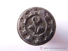 precioso boton civil motivos vegetales flor unica tipo rosa orlada  campo de estrella s. xvii - xix