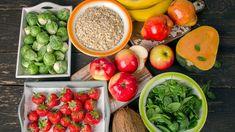 Vláknina je pro naše trávení velmi důležitou složkou. Žaludek ji nedokáže strávit, atak putuje až do tlustého střeva vnestrávené podobě, kde se stává součástí výživy přátelských střevních bakterií, což se pozitivně odráží na našem zdraví. Kromě podpory hubnutí pozitivně ovlivňuje iprůběh zácpy. Reduce Belly Fat, Lose Belly Fat, Nutrient Dense Smoothie, Visceral Fat, Fatty Fish, Abdominal Fat, Diet Challenge, Quick And Easy Breakfast, Smoothie Diet