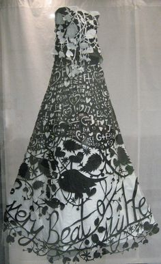 Wow! Lovely paper dress.