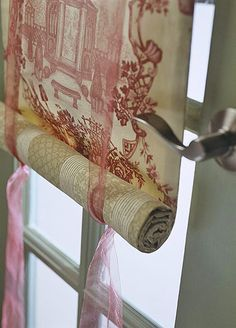 DIY: Simple Shade Tutorial - easy DIY using fabric, a wood strip & ribbon + A great post on easy-to-sew & no-sew window treatments, including shades & ideas for curtain clips & rods.
