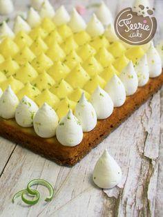 The Leprechaun Lemon Pie Recipe - - Easy Cheesecake Recipes, Easy Cake Recipes, Sweet Recipes, Snack Recipes, Dessert Recipes, Pie Recipes, Christmas Ice Cream Cake, Chocolate Fruit Cake, Chocolate Ganache